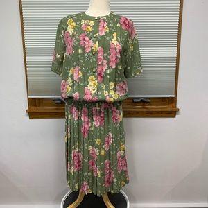 Alfred Dunner Vintage sage floral skirt/blouse set